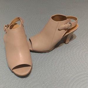 Nude Naturlizer heels